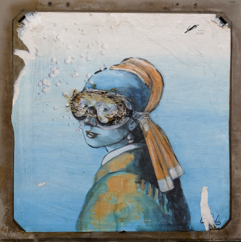 The girl with the pearl earring ... equipped with a diving mask