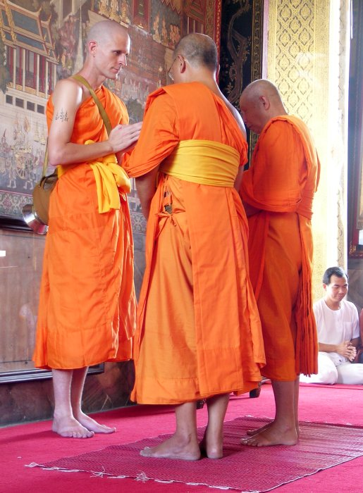 Ordination of a guy from Colorado as a Buddhist monk in Thailand